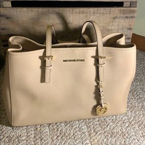 Micheal Kora Women's Jet Set Medium Tote tan